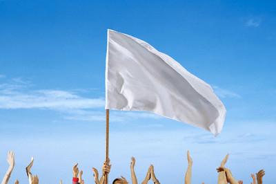 Bendera putih, simbol dan ikon yang menjadi andalan simpatisan Partai Golput. (photo courtesy of islamedia.web.id