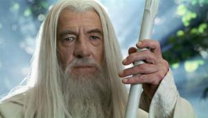 Gandalf sang Penyihir Putih, kini tidak lagi menjadi capres tunggal Partai Golput. Kedudukannya goyah akibat naiknya nama calon-calon lain dari usulan internal partai. (photo courtesy factpile.wikia.com)