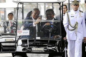 PM Razak dan Presiden SBY beraksi 'selfie'. Foto 'selfie' bukan hal yang asing lagi di kalangan para pejabat negara di seluruh dunia.