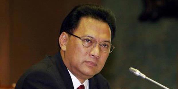 Gubernur Bank Indonesia Agus Martowardoyo. Menurut Agus, pemotongan anggaran adalah langkah terbaik yang dapat diambil pemerintah dalam menghadapi defisit anggaran sebesar Rp 100 trilyun pada tahun ini. (photo courtesy new.earindo.co.id)