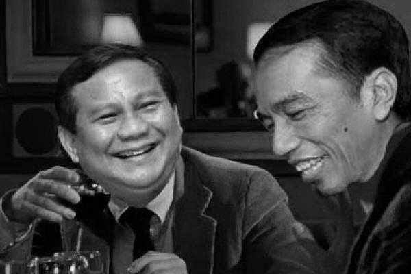 Prabowo dan Jokowi dalam acara makan malam bersama. Tidak membahas isu politik, keduanya sering melempar canda dan tertawa dengan akrab. (photo courtesy terasmedan.com)