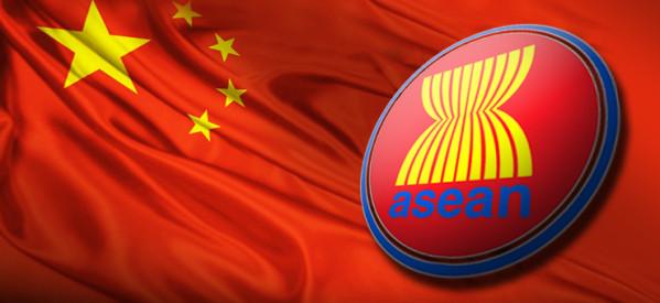 Hubungan antara negara-negara ASEAN dan Republik Rakyat Cina (RRC) tidak selalu berjalan mulus. Meskipun telah menjalin berbagai macam kerjasama ekonomi, tetap terdapat sengketa-sengketa yang terus berlangsung terutama di wilayah Laut Cina Selatan. (photo courtesy asean-investor.com)