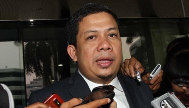 Politisi PKS Fahri Hamzah. Fahri memulai polemik dengan menyebutkan nilai IQ Prabowo hasil dari tes kesehatan. Fahri dinilai asal bicara atau salah membaca kriteria hasil tes. (photo courtesy tempo.co)
