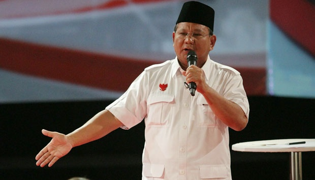Capres Prabowo Subianto dalam acara debat capres kedua kemarin malam (15/6). Dalam acara tersebut, Prabowo sering menyebutkan kata 'kebocoran' yang dialamatkan kepada anggaran APBN milik negara. Namun, secara tidak disadari, ini juga membuat para penonton menghubungkan kata tersebut dengan kondisi pipa dan ledeng di rumah mereka masing-masing. (photo courtesy tempo.co)