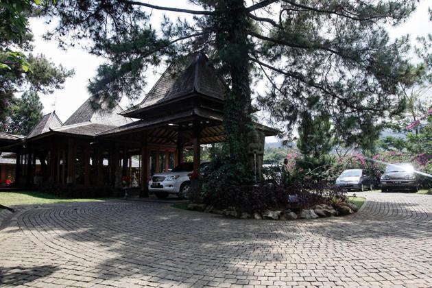 Salah satu bagian dari areal rumah kediaman Prabowo. Kediaman tersebut sangat luas dengan berbagai fasilitas dari helipad hingga lahan pertanian. (photo courtesy kompasiana.com)