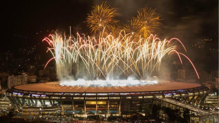 Stadion Maracana di kota Rio de Janeiro menjadi saksi kemenangan Jerman atas Argentina di final Piala Dunia 2014. Dalam pertandingan tersebut, Jerman menang tipis 1-0 berkat gol Mario Goetze di babak perpanjangan waktu. (photo courtesy bbc.co.uk)